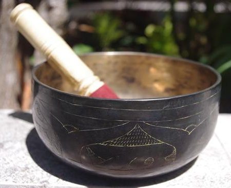 Himalayan singing bowl HSBE021 794g before packing; approximately 17.5cm diameter; 7.5cm height